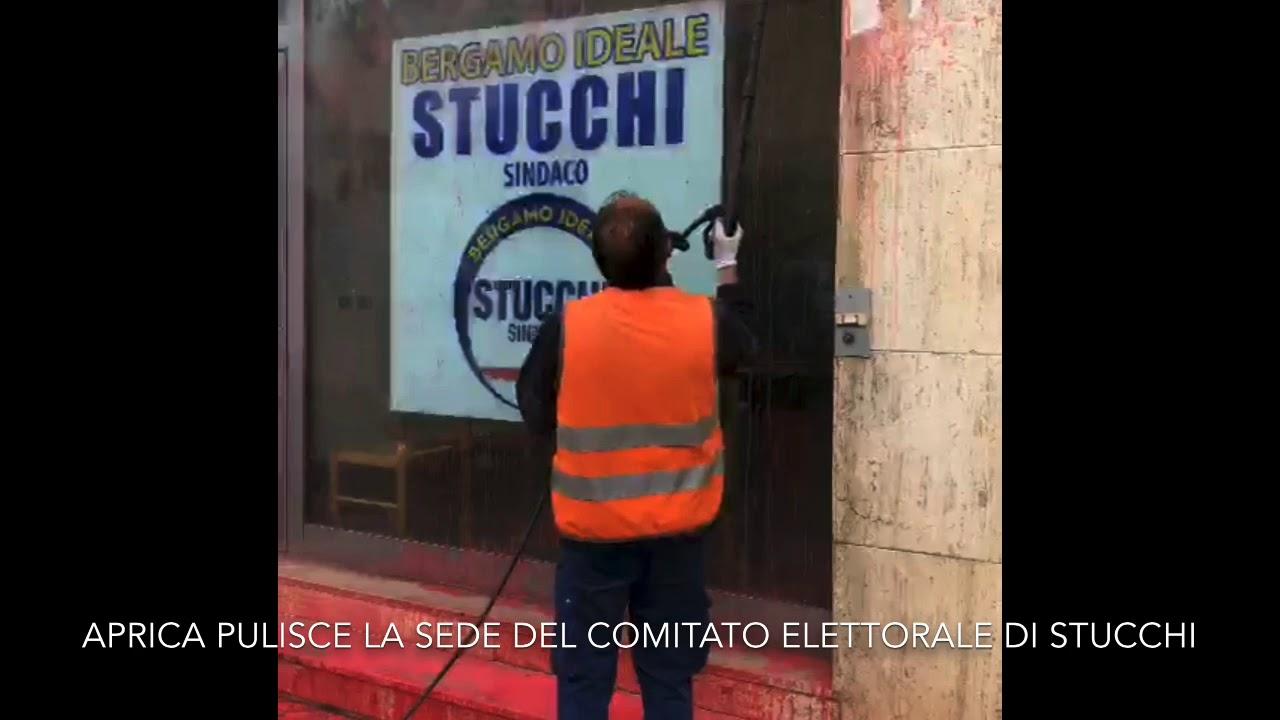 Imbrattato il point elettorale di Stucchi, Gori: \