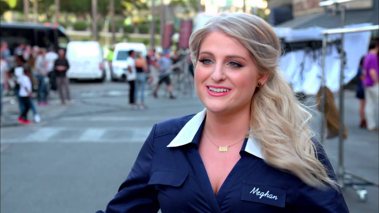 The Peanuts Movie Official Meghan Trainor Interview - YouTube