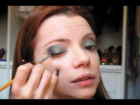 Julia Petit Passo A Passo Verde Maquiagem