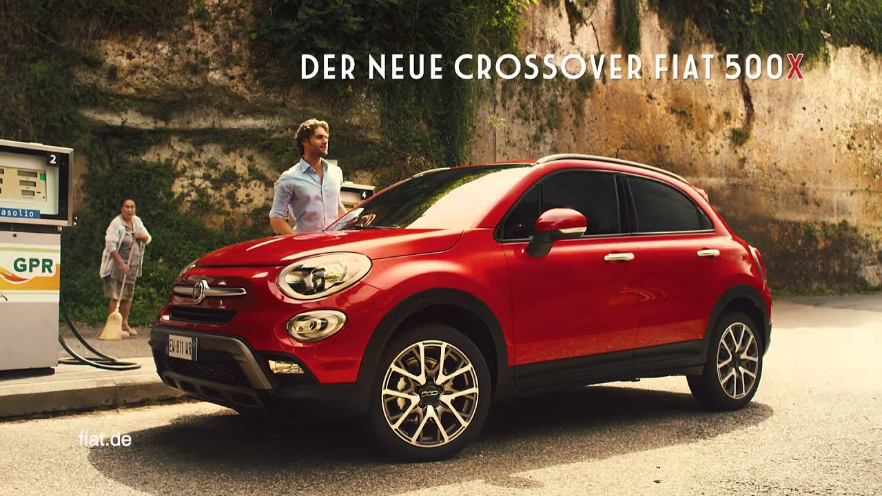 lustiger fiat 500x tv spot blaue pille youtube. Black Bedroom Furniture Sets. Home Design Ideas