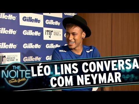The Noite (14/10/15) - Léo Lins Conversa Com Neymar