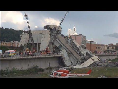 Colapso de ponte faz pelo menos três dezenas de mortos