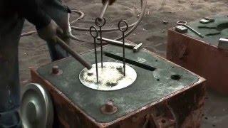 Подготовка форм для литейного производства(Официальный сайт литейного механического завода: http://www.energolit.com На видео демонстрируется процесс подготов..., 2016-02-29T09:38:55.000Z)