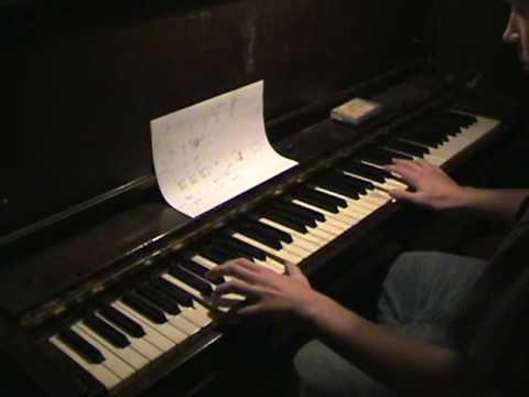 Halloween Theme Song on Piano
