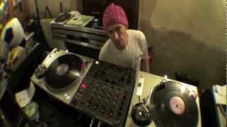 iCrates DJ Tutorial with Ellaskins of djtutor.com | Cutting music known as Breaks, Breakbeat