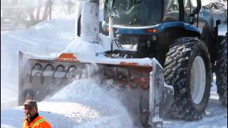 Big snow blower - snow removal - New Holland tractor TV140 - HD