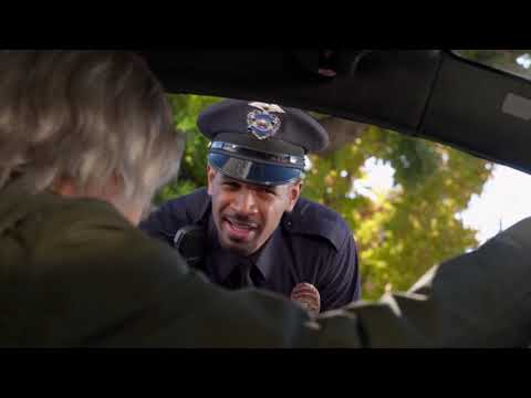 Curb Your Enthusiasm - Larry beeps at a police officer (Aggressive Beep)
