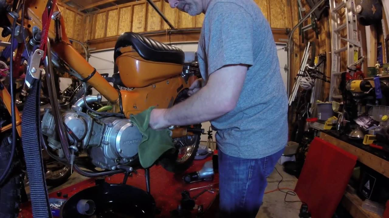 1972 Honda Ct90 Trail Motorcycle Removing The Carb Youtube 1970 Ct70 Carburetor