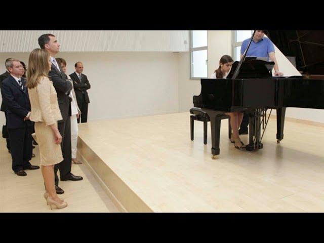 Amaia tocó el piano ante los Reyes con sólo 13 años