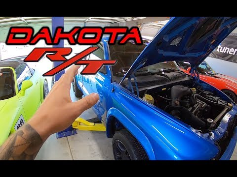 Cleaning up the Dodge Dakota R/T Project Truck
