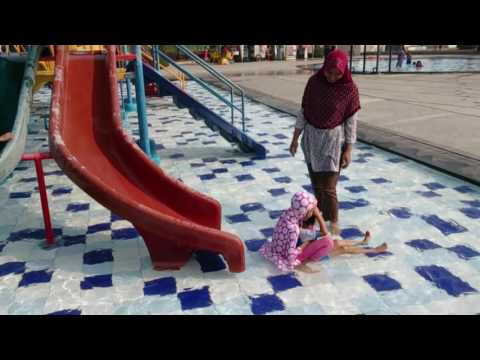 Berenang di darmawangsa