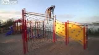 何故か公園の遊具から飛び降りて、アソコを潰します AKB48 AKB SKE48 SK...