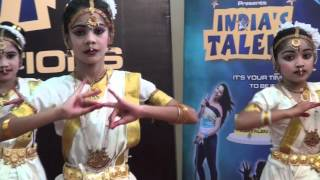 Classical dance by Kirti and Group