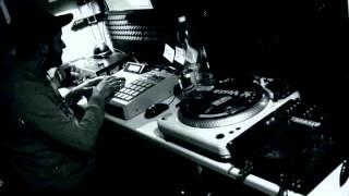HaWu on the AKAI MPC2000XL  BoomBap music (resampling 12bit)