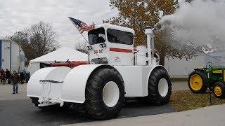 Mecum Fall Antique Tractor Auction - Davenport, IA 2017 (Big bud cold start)