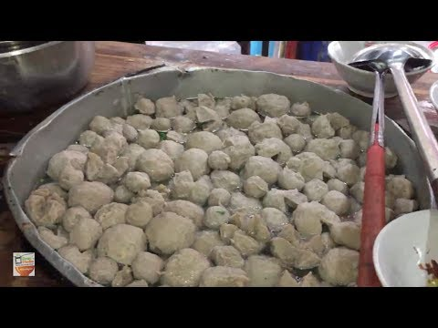 GOKIL !!! 2000 PORSI MIE AYAM BAKSO CONDONG RAOS | DEPOK STREET FOOD #BikinNgiler