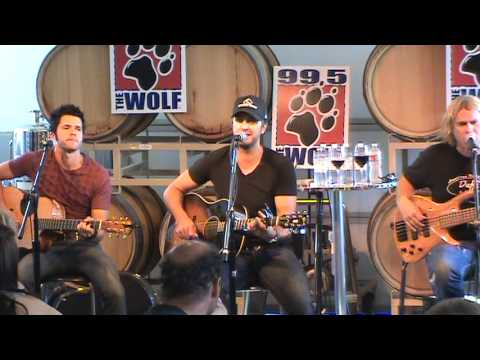Luke Bryan - Rain Is A Good Thing (live)