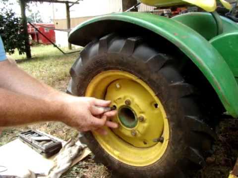 John Deere  Garden Tractor Rear tire swap