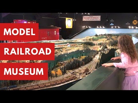 Playing Eye Spy at the Colorado Model Railroad Museum