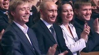 КВН Прикололись над Путиным(kvn квн Спецпроект 2006 смотрите другие миниатюры КВН здесь http://bit.ly/yOmGKc Смотрите Миниатюры. Блок #2 http://bit.ly/LwTIi9..., 2012-06-19T09:29:04.000Z)