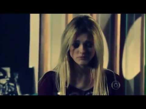 Isabelle Drummond Em Megan Lily - Chandelier/Sia