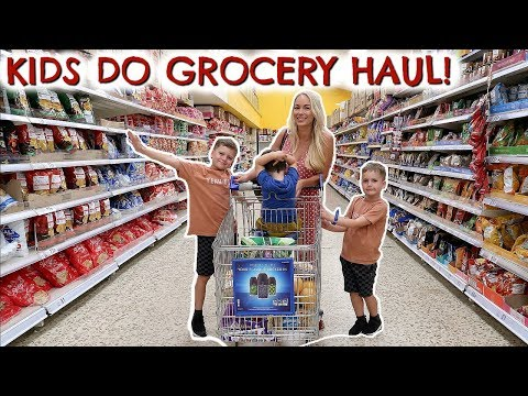 I LET THE KIDS DO THE FOOD SHOP! GROCERY SHOPPING HAUL CHALLENGE  |  EMILY NORRIS