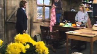 A Fine Romance 1981 S01E05 How to Avoid Bankruptcy