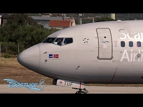 Friendly Scandinavian SAS Pilot - Boeing 737-705 LN-TUF - Takeoff from Split Airport LDSP/SPU