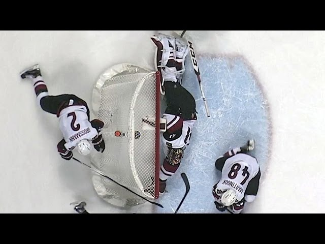 Smith sprawls out for two acrobatic saves
