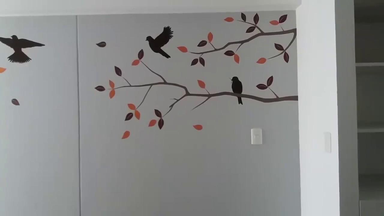 Decoracion del hogar pintando mural arbol con aves palomas y golondrinas en casa youtube - Murales pintados en la pared ...