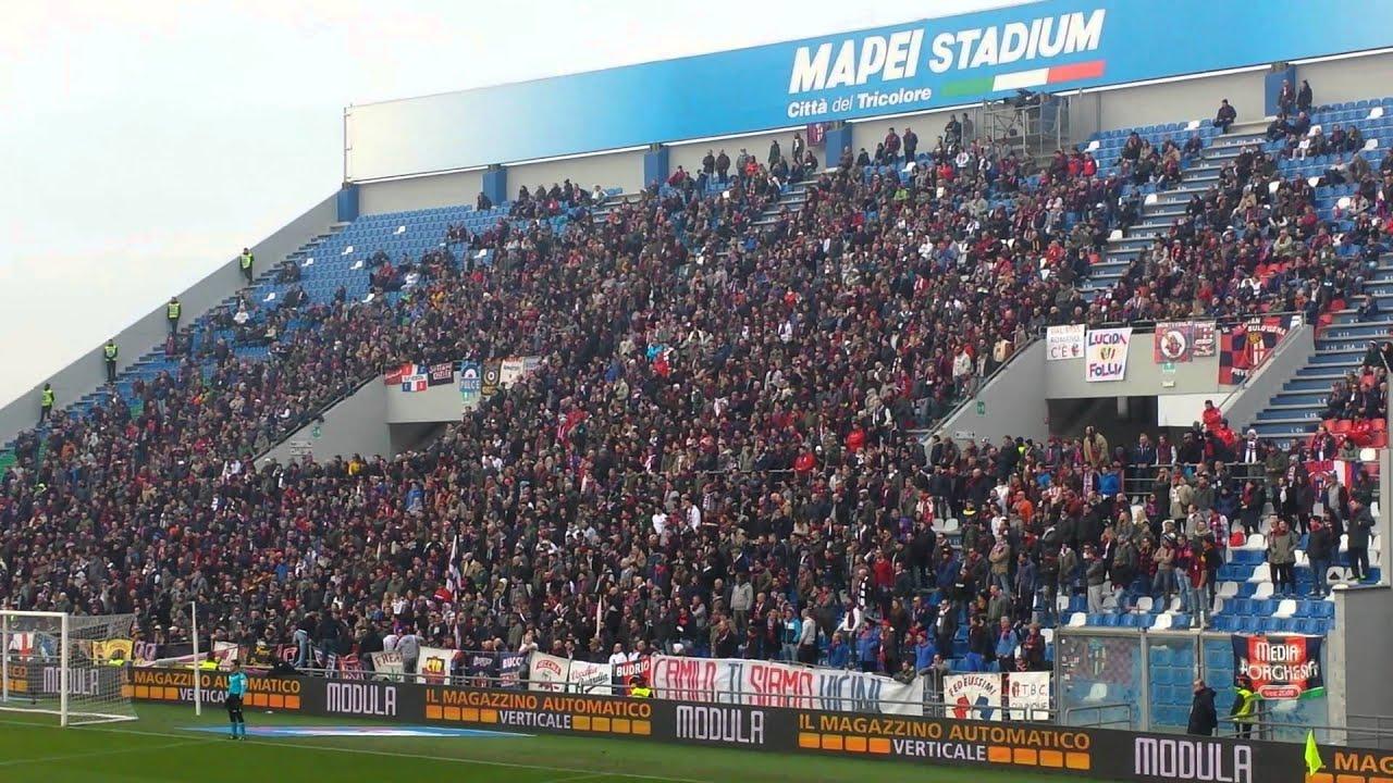 IMPRESSIONANTE coro ripetuto degli ultras bolognesi