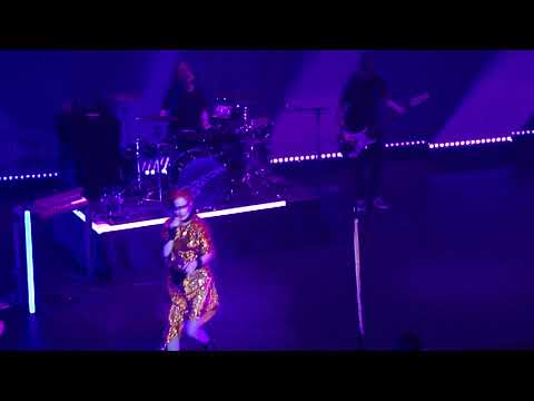 Get Busy With The Fizzy - Garbage - Port Chester, NY - October 20, 2018