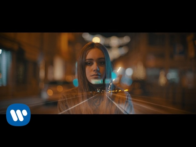 shari-dont-you-run-official-video-warner-music-italy