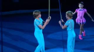 Воздушные гимнасты на ремнях (2011)