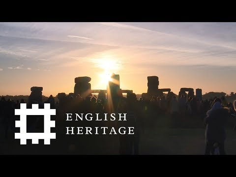 Summer Solstice at Stonehenge 2018   A Time-lapse