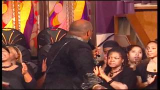 Pastor Marvin L. Winans w/ guest Vicki Winans and the PYC reunion choir