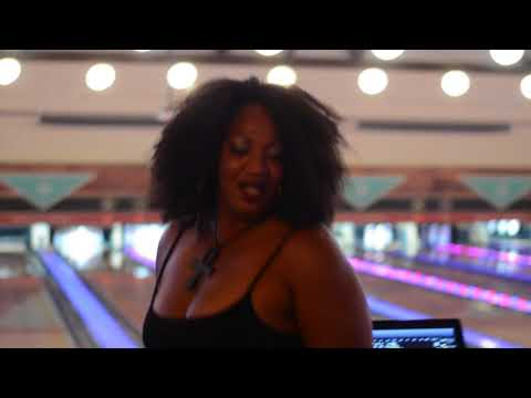 Genese Bowling Party
