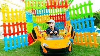 Ali Yeni Arabasına Oyuncak Çitlerden Garaj Yaptırdı - Toy Fence Car Garage, Kid Ride on Power wheels