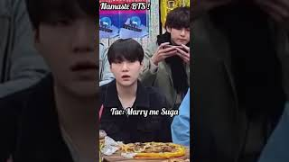 BTS VLive is never complete without YOONGI MARRY ME 😂😂 It's always Tae lmao 😂😏 #bts #btslive