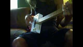 Tramp Box Guitars/ Romeo y Julieta Deluxe cigar box guitar