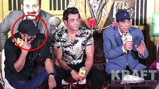 Sunny Deol & Bobby Deol Gets Embarrassed when Dharmendra ANGRY On Reporter
