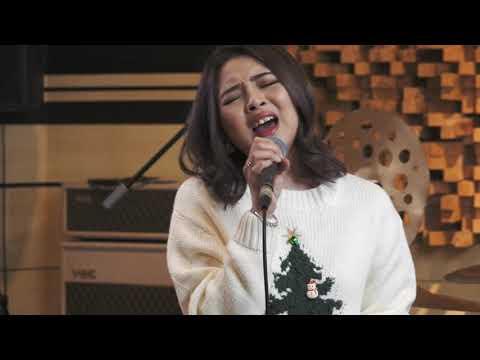 Echa Soemantri & Jessica Vania - Christmas Medley