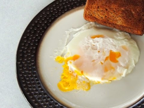 How To Fry An Egg In Your Microwave