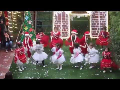 """Tiết mục nhảy """"Jingle bell"""" cúa lớp Chuột nhí"""