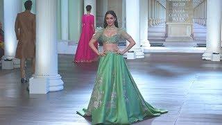 Невесты Индии выбирают традиционные платья в новом виде