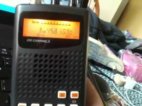 my brand new radio shack pro 404 handheld radio scanner youtube rh youtube com Radio Shack 20 404 Scanner Nono PRO-404