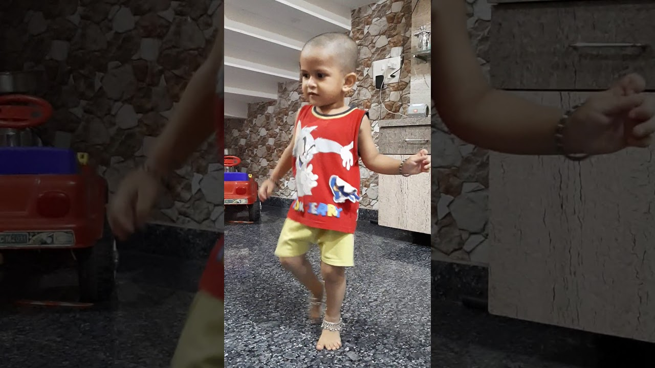 Bal ganesh #dancelover ..Kid dancing on traditional song.#funnydance #funnybaby#vedioforkids