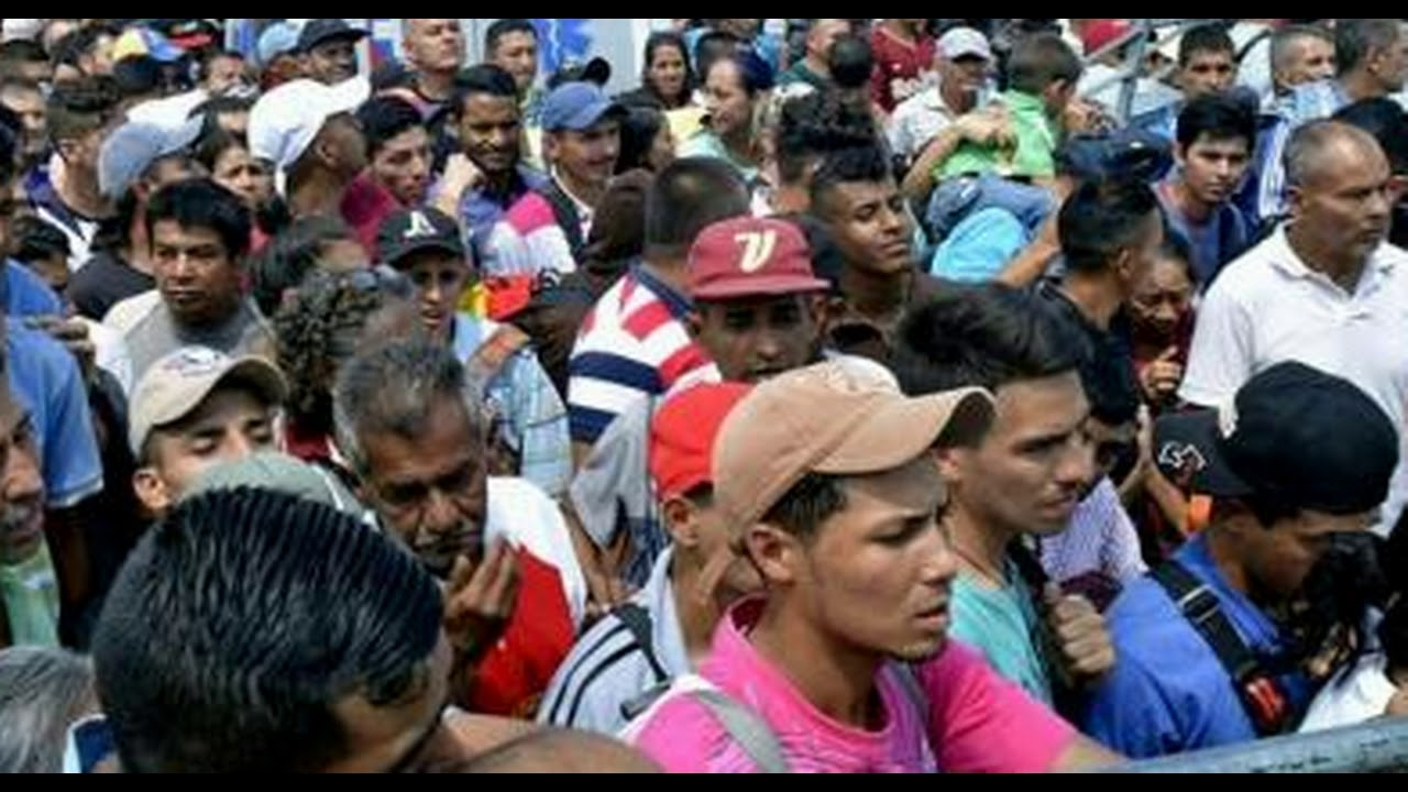 mass-exodus-begins-thousands-flee-venezuela-across-bridge-to-colombia