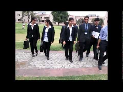 BATCH OF 2013's IIM INDORE's ON-CAMPUS MODULE - AFTER-THE-CLASS DISCUSSIONS