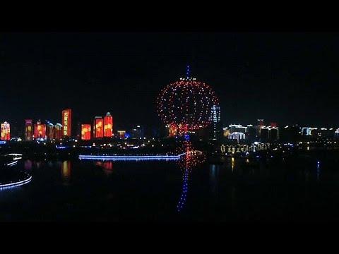 شاهد: طائرات مسيرة تستبدل القناديل التقليدية في مهرجان فوانيس الربيع الصيني…  - نشر قبل 2 ساعة